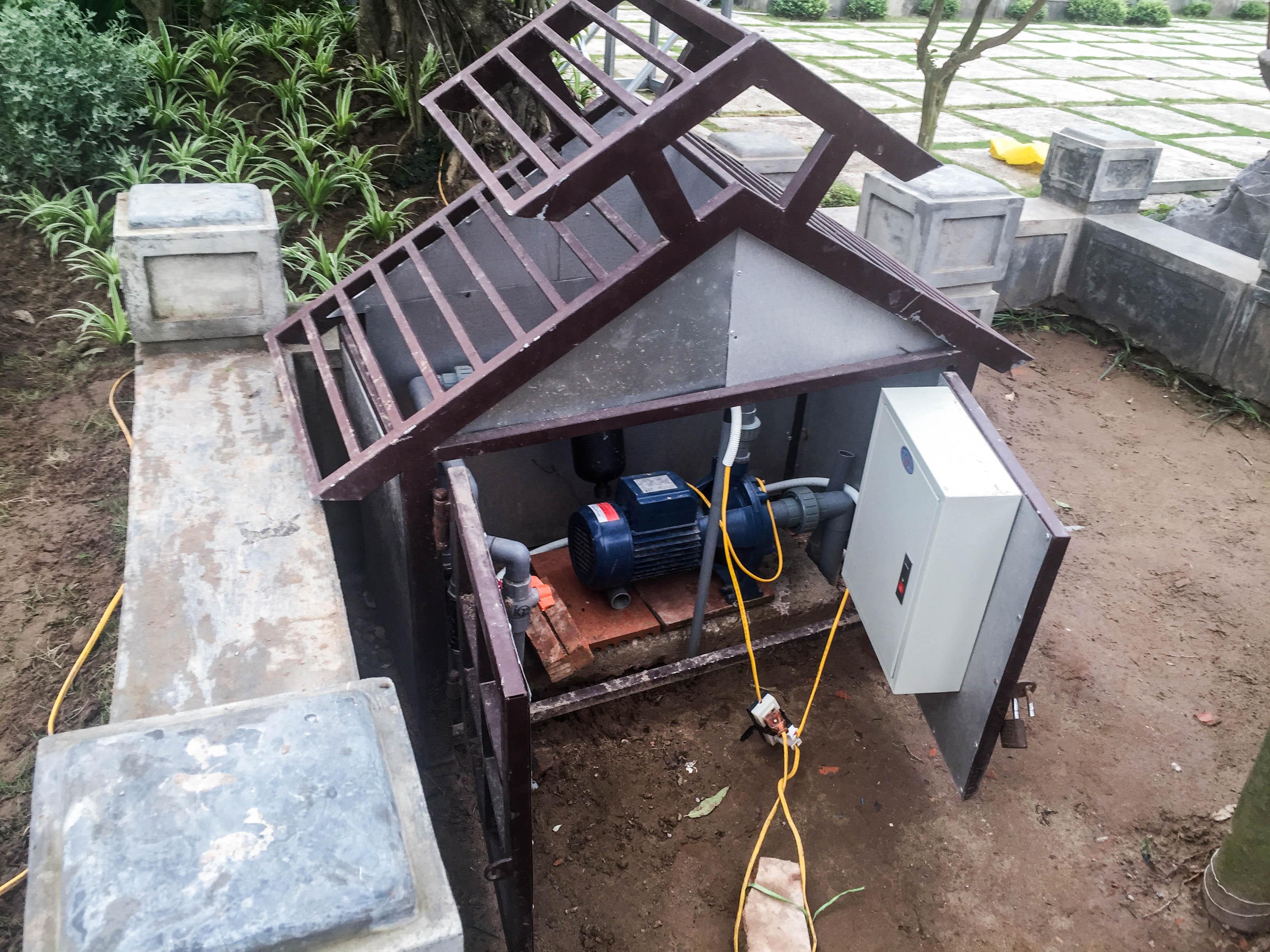 máy bơm dùng cho hệ thống tưới cây tự động