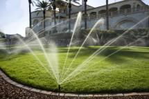 Những điều cần chuẩn bị khi lắp đặt hệ thống tưới cây tự động trong vườn